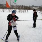 Отметка компостером в карточке в лыжном спортивном ориентировании